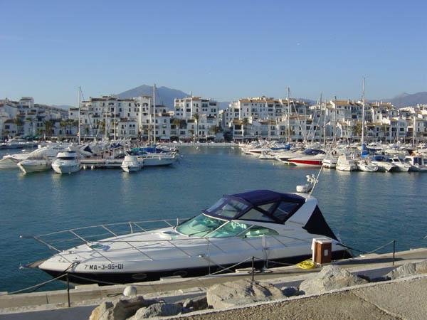 The surroundings - Zara home marbella ...